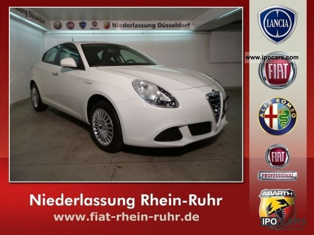2011 Alfa Romeo  Giulietta 1.4 TB 16V (120PS) Limousine Pre-Registration photo