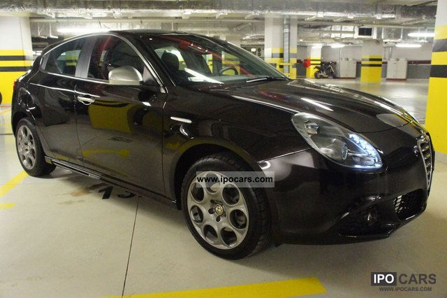 2010 Alfa Romeo  Giulietta 2.0 JTDM-2 170CV SPORT WARRANTY! Sports car/Coupe Used vehicle photo