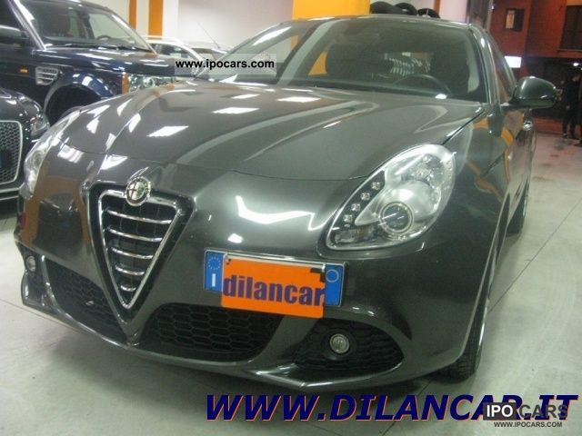 2011 Alfa Romeo  Giulietta 2.0 JTDm CV-2170 Distinctive Limousine Used vehicle photo