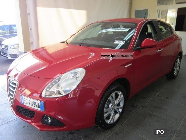 2011 Alfa Romeo  Giulietta 2.0 Limousine Used vehicle photo