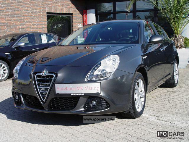 2010 Alfa Romeo  Giulietta 1.4 TB MultiAir 100 x 125KW TO IMMEDIATELY! Limousine Employee's Car photo
