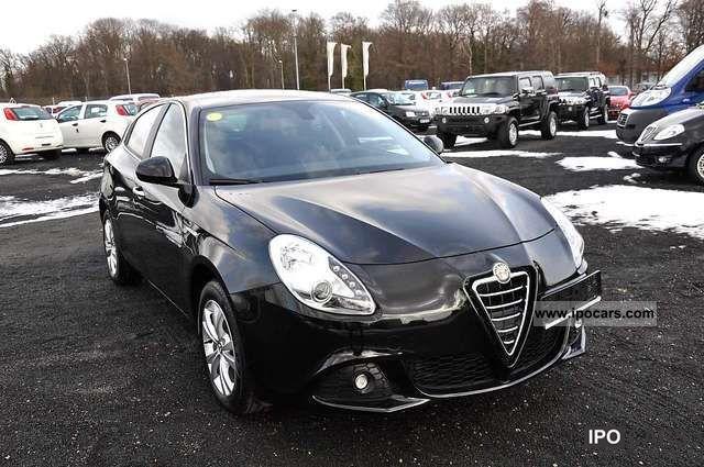 2011 Alfa Romeo  Giulietta 1.6 JTDM 16V Turismo DPF Start & Stop Limousine Used vehicle photo