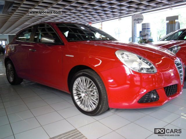 2011 Alfa Romeo  GIULIETTA SUPER PDC SH BL Limousine Employee's Car photo
