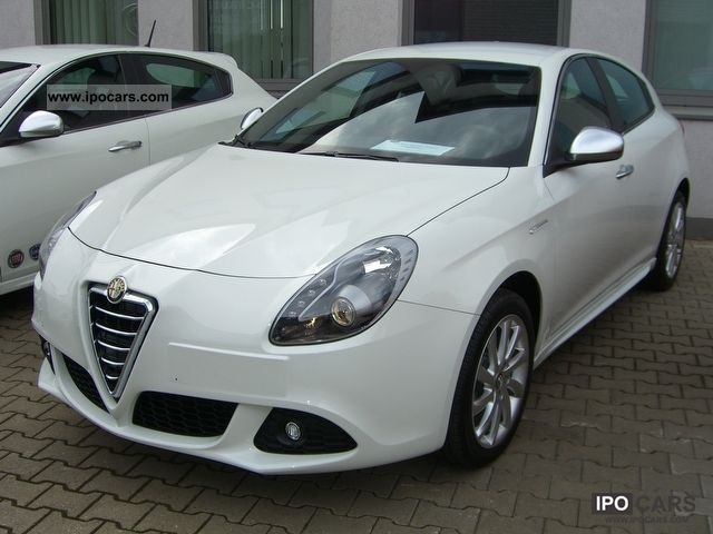 2011 alfa romeo giulietta 1 4 tb turismo 120ps car photo and specs. Black Bedroom Furniture Sets. Home Design Ideas