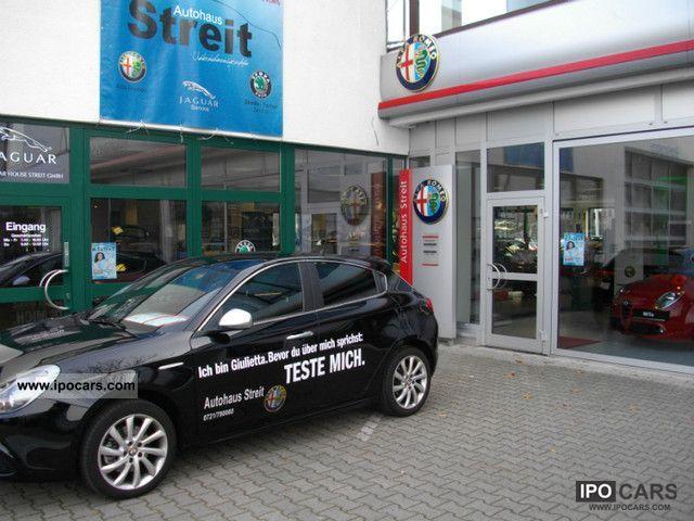 2010 Alfa Romeo  Giulietta Turismo M-Sport Package Air I, Limousine Demonstration Vehicle photo
