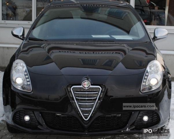 2012 Alfa Romeo  Giulietta 1.4 TB 16V 88KW (120HP) Super Limousine Demonstration Vehicle photo