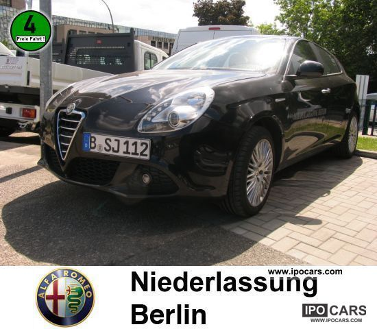 2010 Alfa Romeo  Giulietta 2.0 JTDM 16V Turismo AIR Limousine Demonstration Vehicle photo