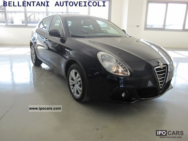 2011 Alfa Romeo  Giulietta 1.4 Turbo Multiair Distinctive Limousine Pre-Registration photo