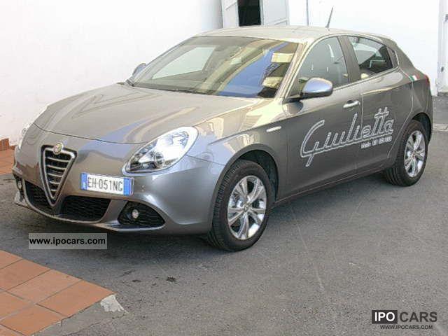 2011 Alfa Romeo  Giulietta 6.1 jtd-m 105 cv distintive con pack Limousine Used vehicle photo