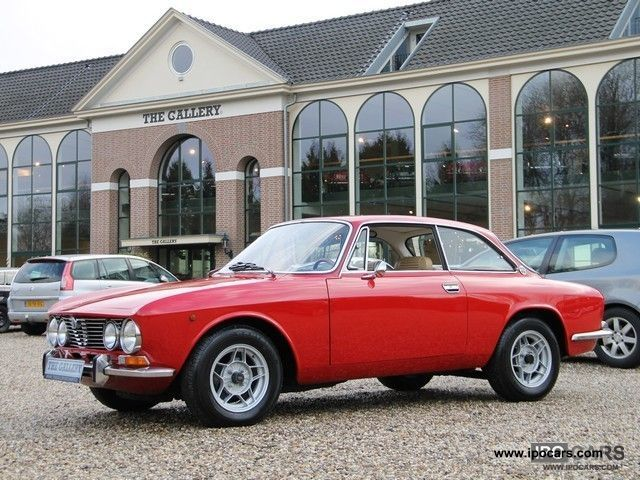 Alfa Romeo  GTV 2000 Bertone Coupe 1974 Vintage, Classic and Old Cars photo