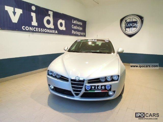 2010 Alfa Romeo  159 2.4 JTDm 200cv SW Exclusive Q-Tronic Estate Car Used vehicle photo