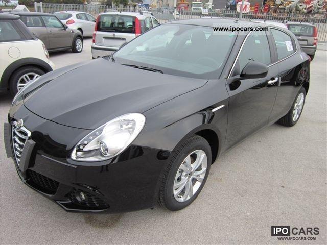 2012 Alfa Romeo  Giulietta 1.6 JTD m-2 Distinctive Limousine Used vehicle photo