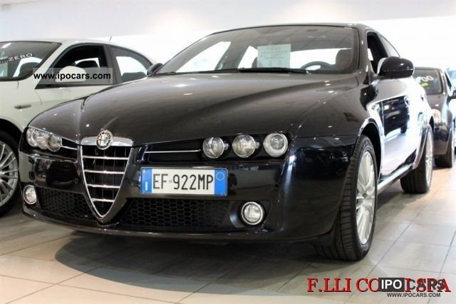 2010 Alfa Romeo  JTDm 159 2.4 200 CV Distinctive Q-Tronic Limousine Used vehicle photo