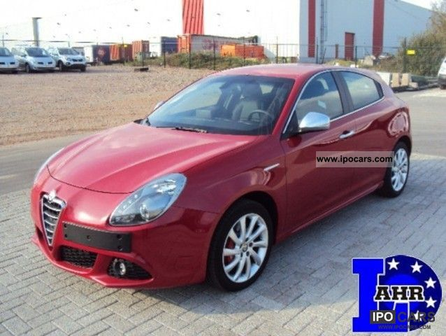 2011 Alfa Romeo  Giulietta JTDm 105hp Leather / Navi / wheel air Limousine Used vehicle photo