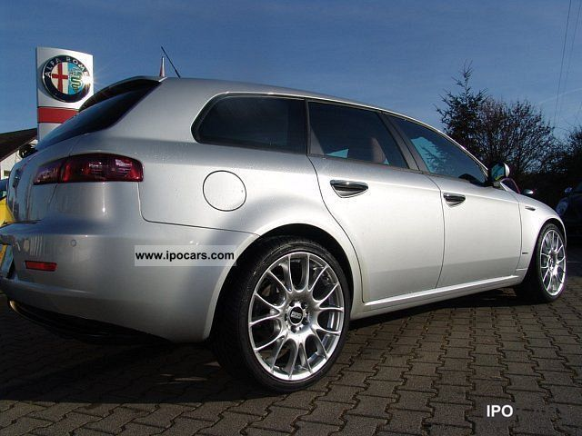 2008 alfa romeo 159 sportwagon 1 9 jtdm 16v distinctive silver car photo and specs. Black Bedroom Furniture Sets. Home Design Ideas