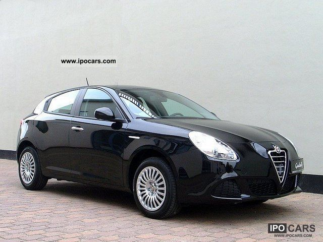 2012 Alfa Romeo  Giulietta 1.4 TB 16V MultiAir Limousine Used vehicle photo