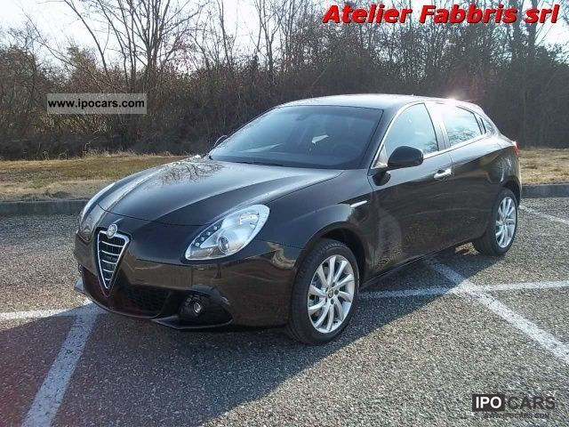 2012 Alfa Romeo  Giulietta 2.0 JTDm CV-2 140 km 0 ** Distinctive Limousine Pre-Registration photo