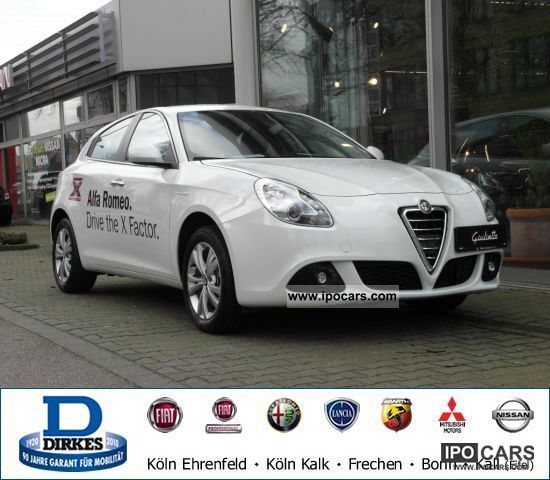 2011 Alfa Romeo  Giulietta 2.0 JTDM 16V Turismo Limousine Demonstration Vehicle photo