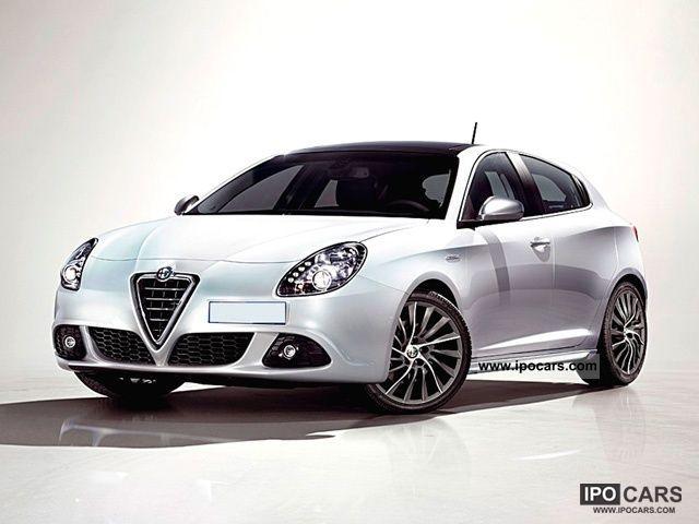 2012 Alfa Romeo  Giulietta 1.4 Turbo Multiair 170 CV Distinctive Limousine Pre-Registration photo