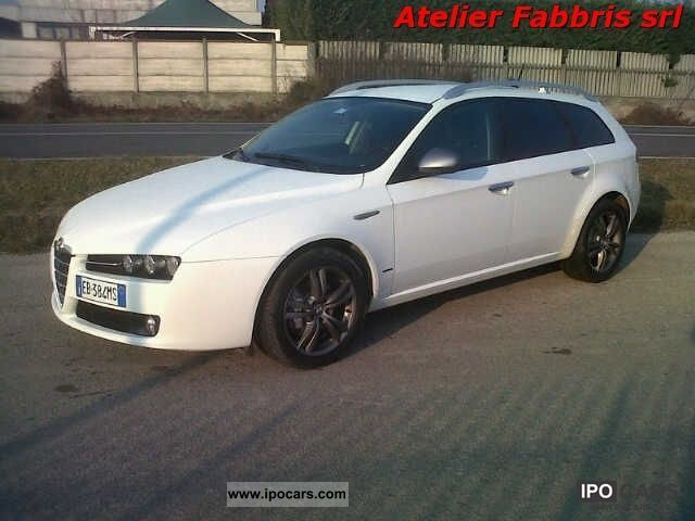 2010 alfa romeo 159 sw 2 0 jtdm distinctive 34 000 km car photo and specs. Black Bedroom Furniture Sets. Home Design Ideas