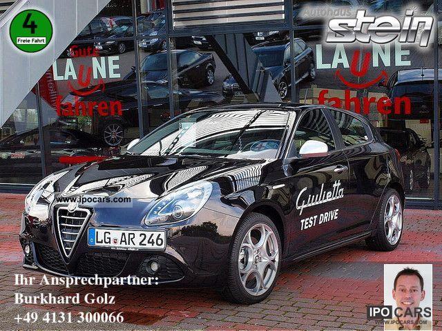 2010 Alfa Romeo  Giulietta 1.4 TB 16V Multiair NAVIGATION Limousine Demonstration Vehicle photo
