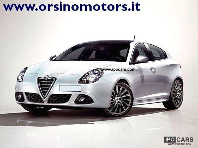 2012 Alfa Romeo  Giulietta 2.0 JTDm 170CV-2 Distinctive Limousine Pre-Registration photo