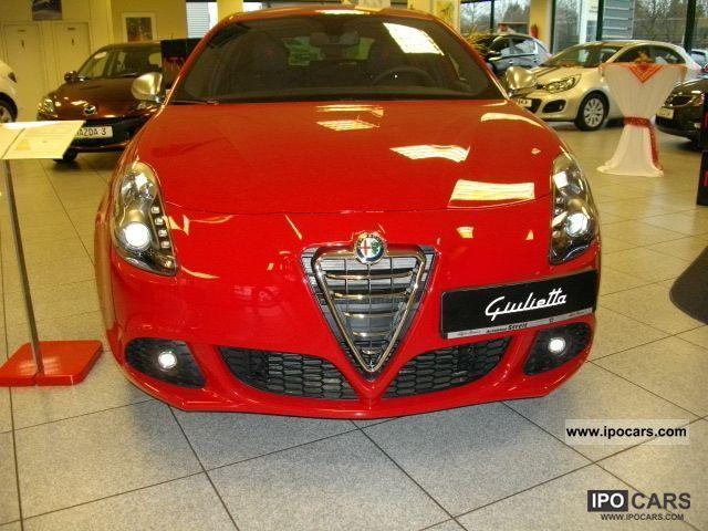2011 Alfa Romeo  Giulietta 1.6 JTDM Turismo Sportpaket2/Premium-P. Limousine Used vehicle photo