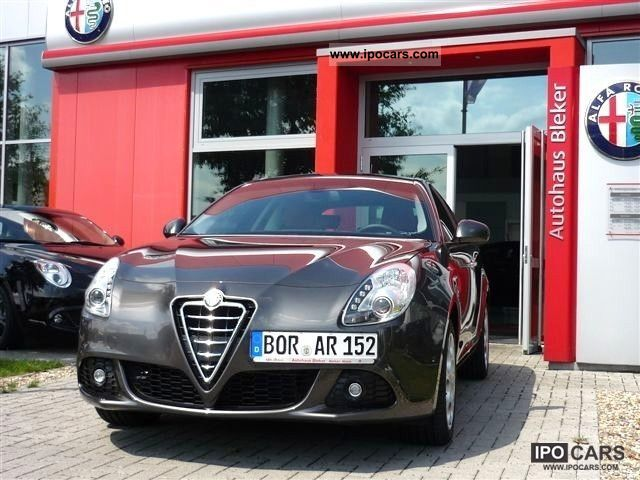 2010 Alfa Romeo Giulietta 2.0 JTDM 16V 170 bhp Turismo - Car Photo and ...