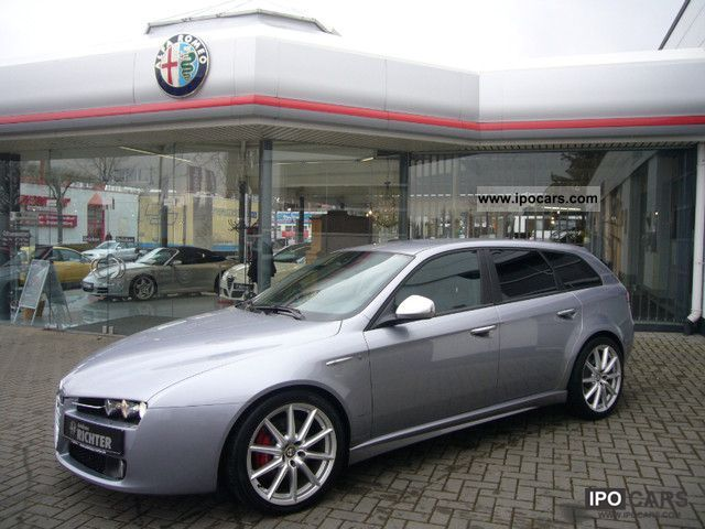 2010 alfa romeo 159 sportwagon 3 2 jts v6 24v q4 ti navi xenon car photo and specs. Black Bedroom Furniture Sets. Home Design Ideas
