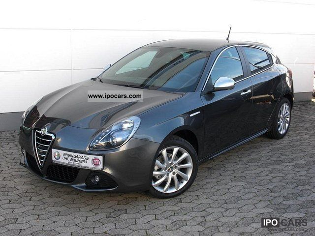 2011 Alfa Romeo  Giulietta Turismo 1.4 T-Jet Sport Package and Premiu Limousine Demonstration Vehicle photo