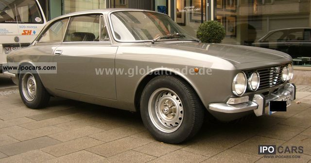 Alfa Romeo  2000 Bertone GTV - TOP! 1972 Vintage, Classic and Old Cars photo