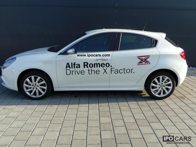 2011 Alfa Romeo  Giulietta 2.0 JTDM 16V Limousine Demonstration Vehicle photo