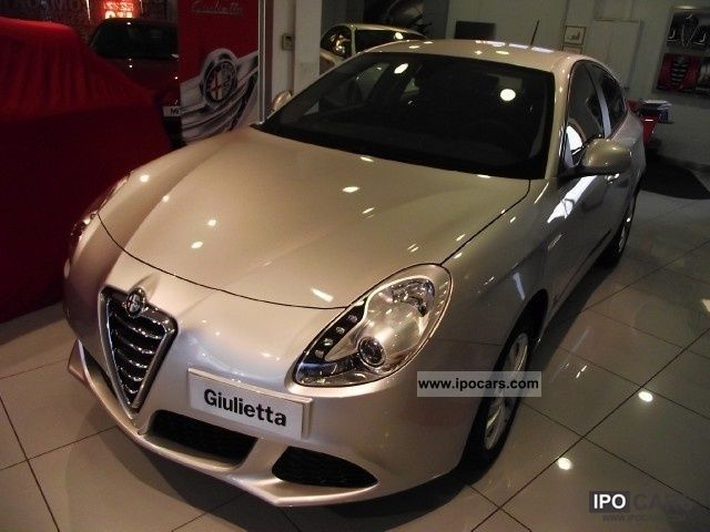 2011 Alfa Romeo  Giulietta 2.0 JTDm 170CV-2 progression Limousine Pre-Registration photo