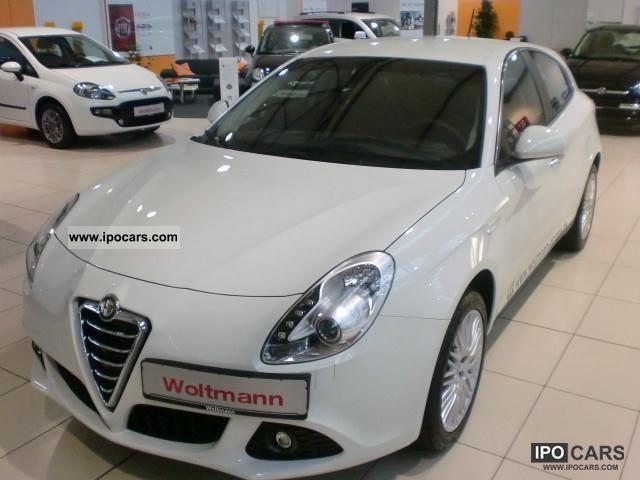 2011 Alfa Romeo  Giulietta 1.4 TB MultiAir 16V, TCT, 125KW (170PS Limousine Demonstration Vehicle photo