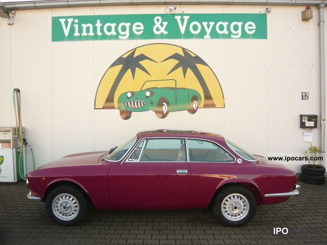 Alfa Romeo  GTV 2000 \ 1972 Vintage, Classic and Old Cars photo