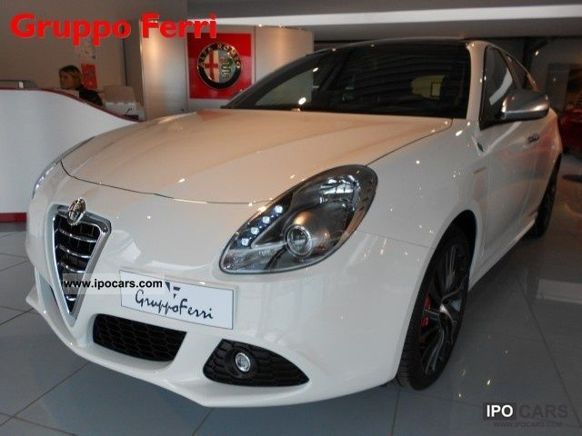2012 Alfa Romeo  Giulietta 1750 TBi Quad.Verde 235cv - ProntaCONS Limousine Pre-Registration photo