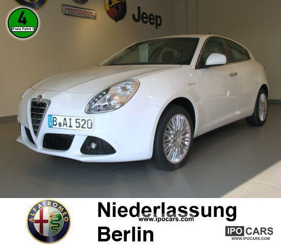 2011 Alfa Romeo  Giulietta 1.4 TB MultiAir Turismo BI-XENON Limousine Demonstration Vehicle photo