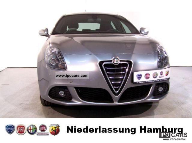 2011 Alfa Romeo  Giulietta 2,0 JTD TURISMO 170HP Limousine Demonstration Vehicle photo