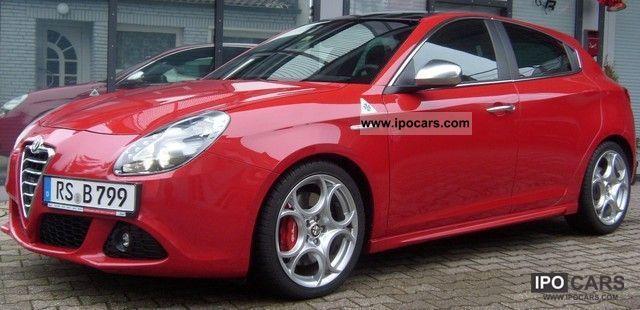 2011 Alfa Romeo  Giulietta 1.8 TBi 16V QV ** 18 ** ALU xenon * LEATHER * Limousine Demonstration Vehicle photo