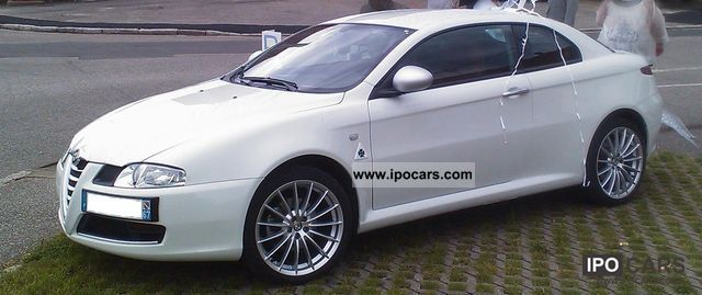 2010 Alfa Romeo  JDTmGT Centenario NOVITEC 180ch Sports car/Coupe Used vehicle photo