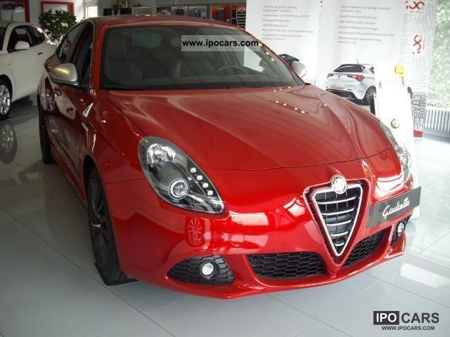 2011 Alfa Romeo  Giulietta 1.8 TBi 16V Quadrifoglio Verde Limousine Demonstration Vehicle photo