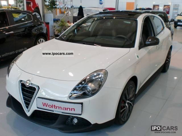 2012 Alfa Romeo  Giulietta 1.8 TBi Quadrifoglio Verde Sports conversion Limousine Demonstration Vehicle photo