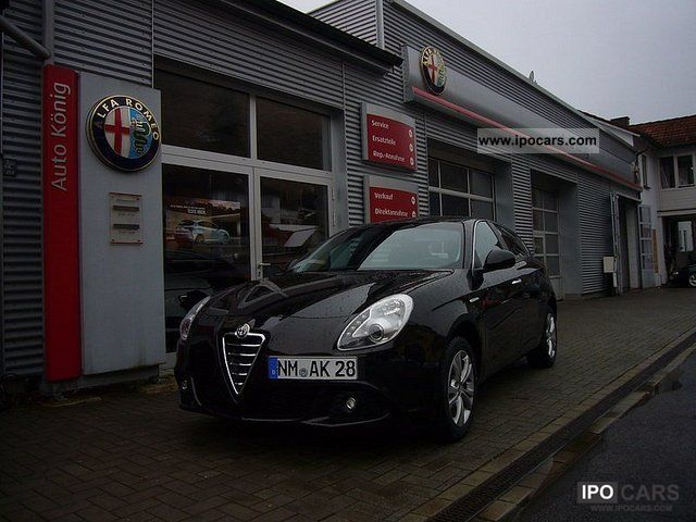 2012 Alfa Romeo  Giulietta Turismo TCT Limousine Demonstration Vehicle photo
