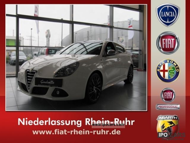 2012 Alfa Romeo  Giulietta 1.8 TBi 16V Quadrifoglio V Limousine Demonstration Vehicle photo