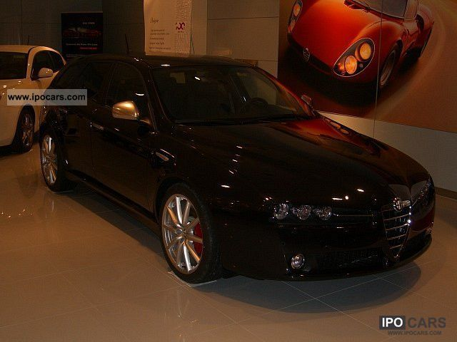 2011 Alfa Romeo  159 Sportwagon 2.0 16V Turismo JTDM with TI Package Estate Car Demonstration Vehicle photo
