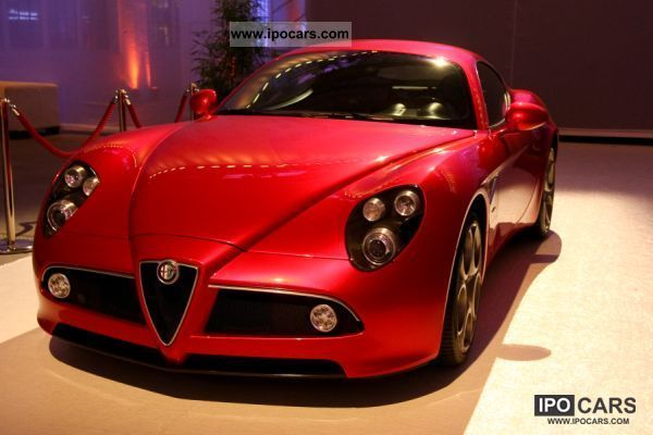 2011 Alfa Romeo  8C COUPÈ EUR Sports car/Coupe Demonstration Vehicle photo