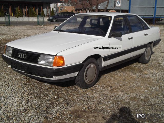 1986 Audi  100 collector's item Limousine Used vehicle photo