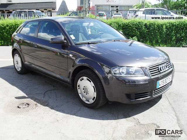 2004 Audi  A3 2LTDI 3PORTES Limousine Used vehicle photo