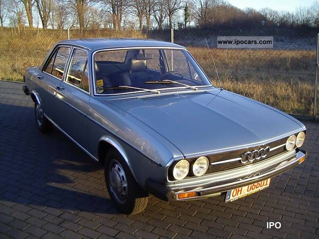 1975 Audi  100 GL auto oldtimer Limousine Used vehicle photo