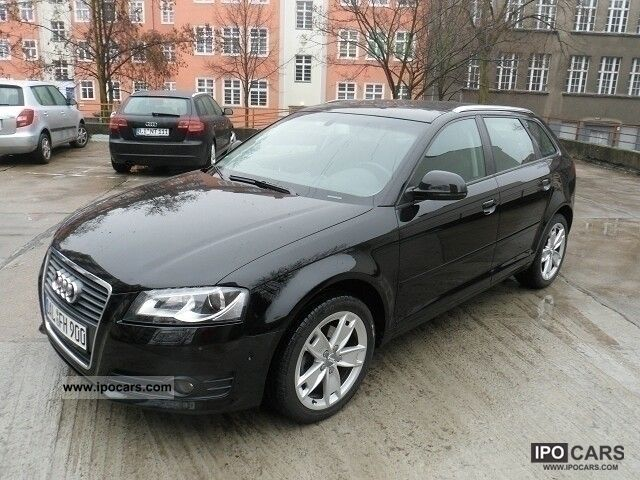 2009 Audi  A3 2.0 TDI Sportback with Open Sky xenon Limousine Used vehicle photo